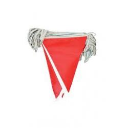 branda üçgen flama kırmızı beyaz